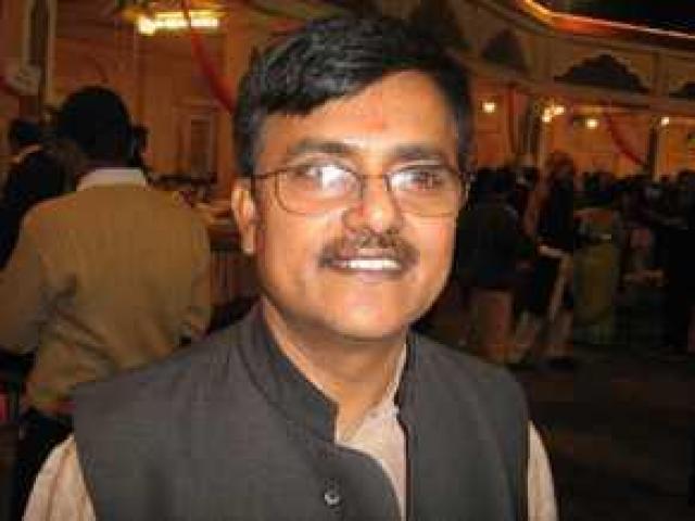 Dr. Vinod Shastri expert in Vaastu , Vedic Astrology and Palmistry in Jaipur, Rajasthan